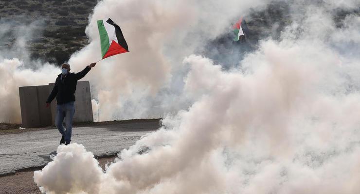 Тысячи иорданцев штурмовали границу с Палестиной, - СМИ
