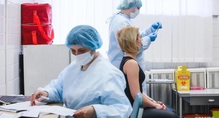Степанов пояснил, кого будут вакцинировать по выходным