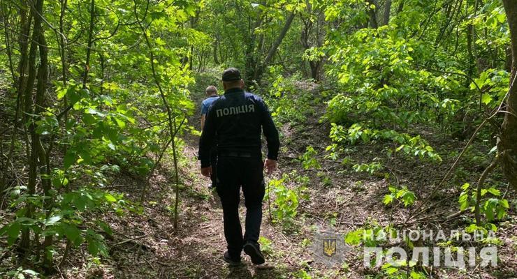 Под Одессой нашли повешенным 14-летнего подростка