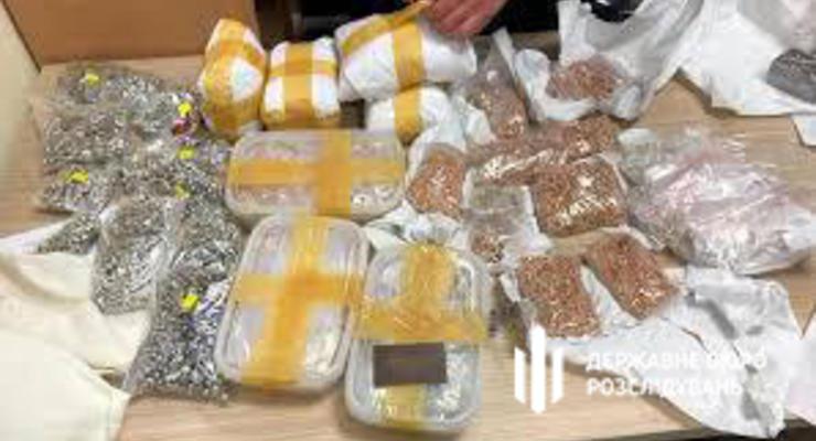 Во Львове сотрудник СБУ украл 24 кг арестованного золота