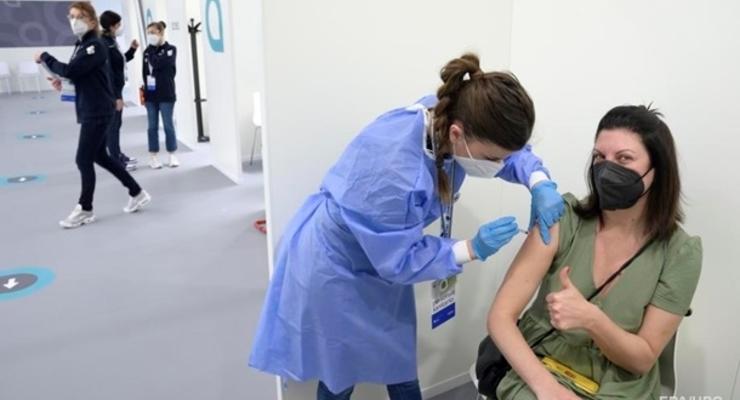 Польша будет вакцинировать украинских заробитчан
