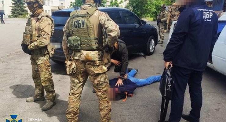 В Черкассах офицер Нацгвардии наладил подпольную торговлю оружием