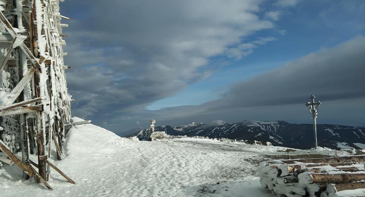 Снег в Карпатах, ливень и похолодание: Погода в Украине 3.06.2021
