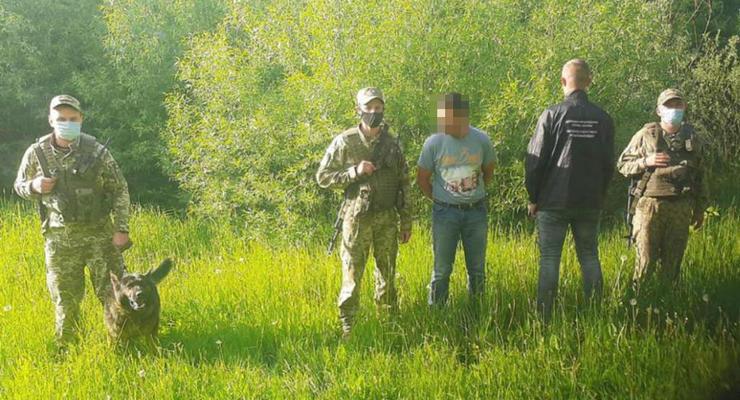 Немец пытался незаконно попасть в Украину: Нес с собой марихуану