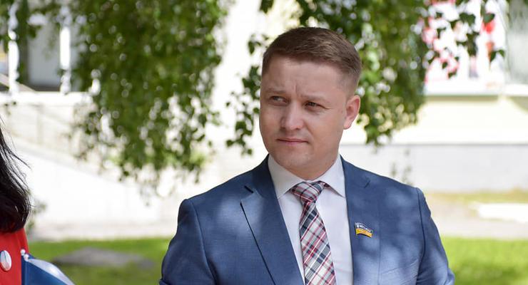 """Мэр Ровно извинился за предложение """"упаковать"""" ромов"""