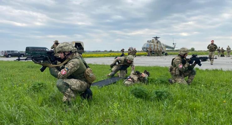 """Обстановка на Донбассе: Боевики дважды нарушали """"тишину"""""""