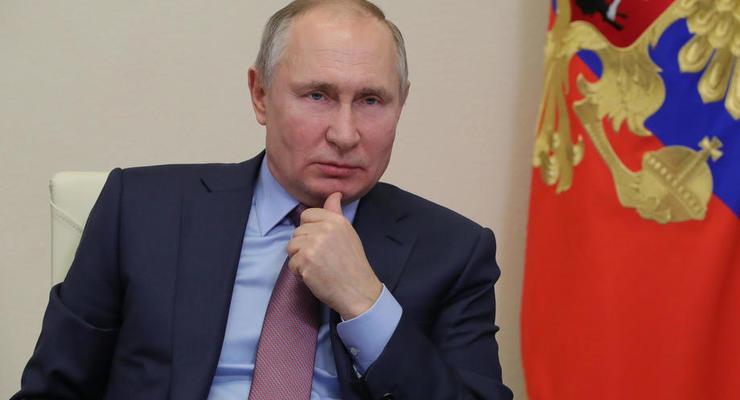 Путин объяснил, что делают войска РФ на границах Украины