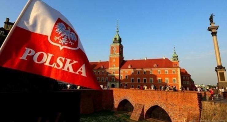 Варшава упростила выдачу виз белорусам