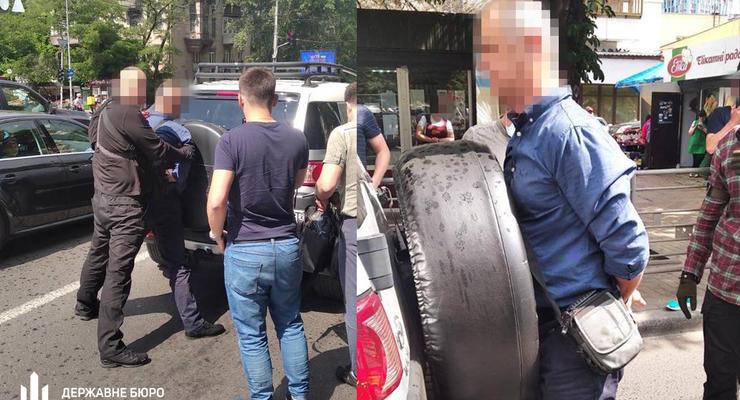 За взяточничество задержали чиновников Киевской таможни