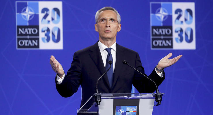 """В НАТО требуют от Украины сделать """"больше"""" для членства"""