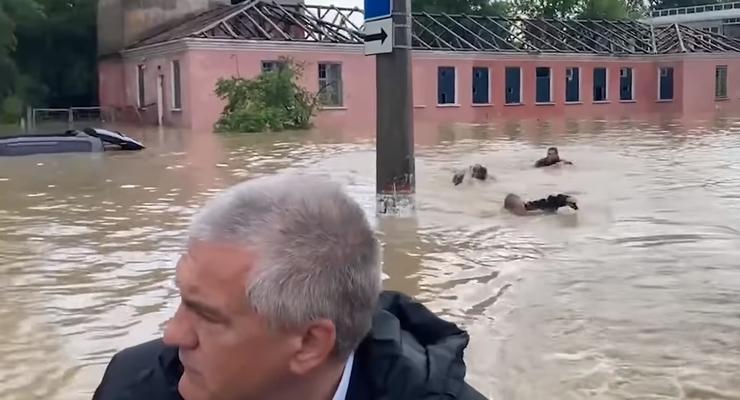 """В затопленной Керчи """"МЧСники"""" плыли за лодкой Аксенова """"кролем"""""""