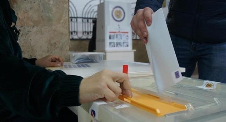 В Армении проходят внеочередные выборы в парламент