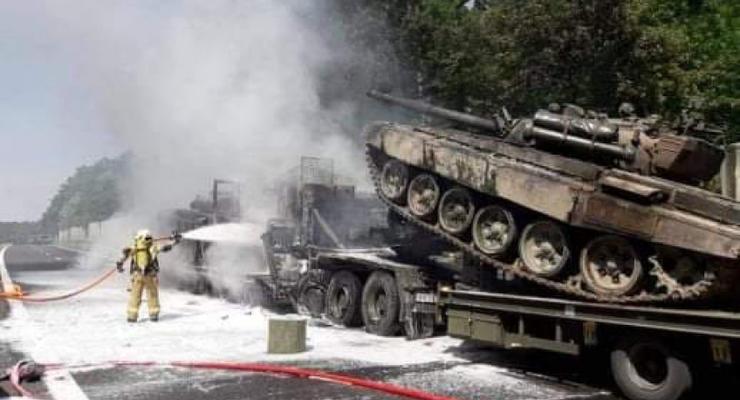 В Польше в ДТП сгорели несколько танков