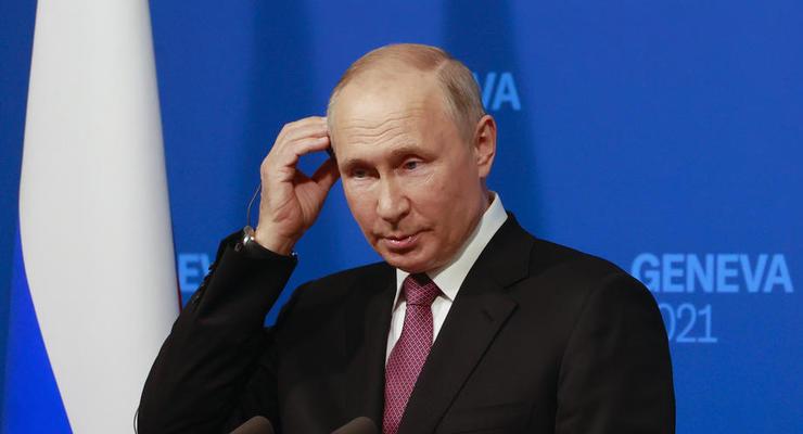 """Путин обвинил США в """"организации"""" Майдана, а ЕС в """"расколе"""" Украины"""