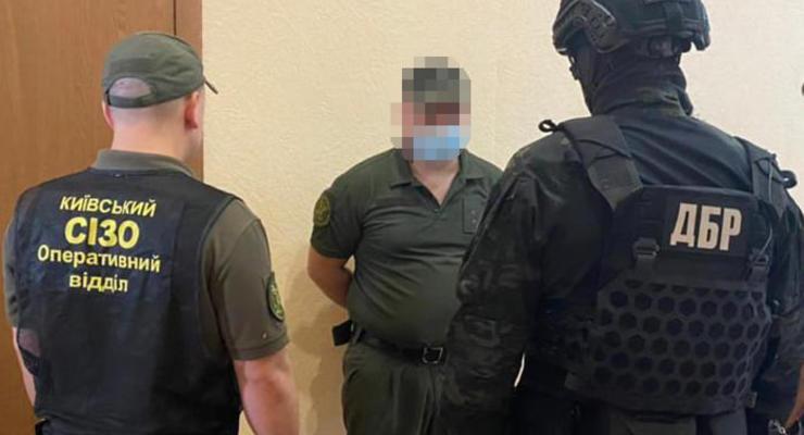 Сотрудники Киевского СИЗО занимались сбытом наркотиков в изоляторе