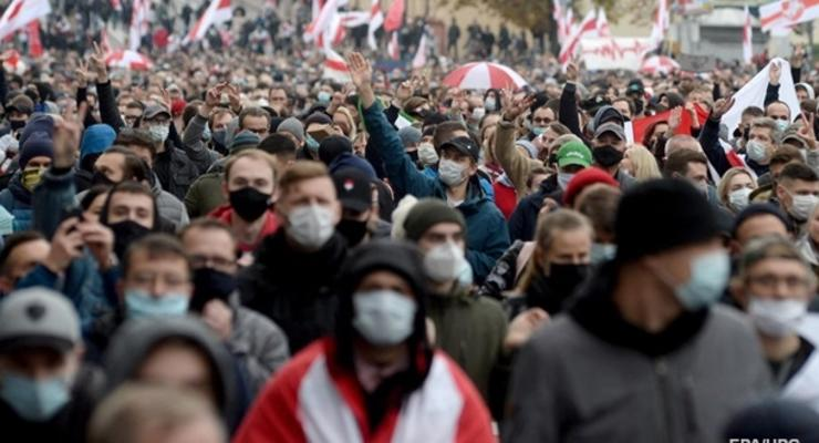 """Минск намерен объявить лозунг """"Жыве Беларусь"""" нацистским"""