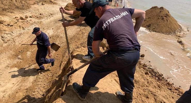 Погибших нет: спасатели завершили поиски на месте обвала грунта на Одесчине