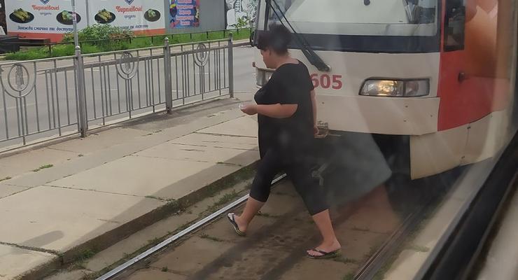 В Киеве водитель трамвая потерял сознание от жары прямо в кабине