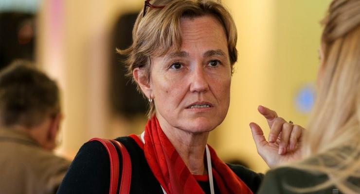 Посол Германии объяснила желание Меркель говорить с Путиным