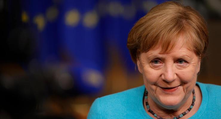 Меркель хочет встретиться с Зеленским до поездки к Байдену