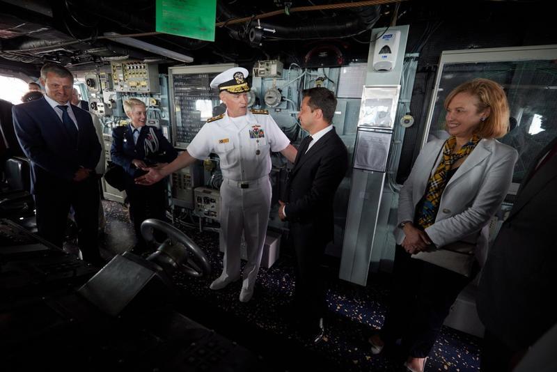 Зеленский на борту американского эсминца