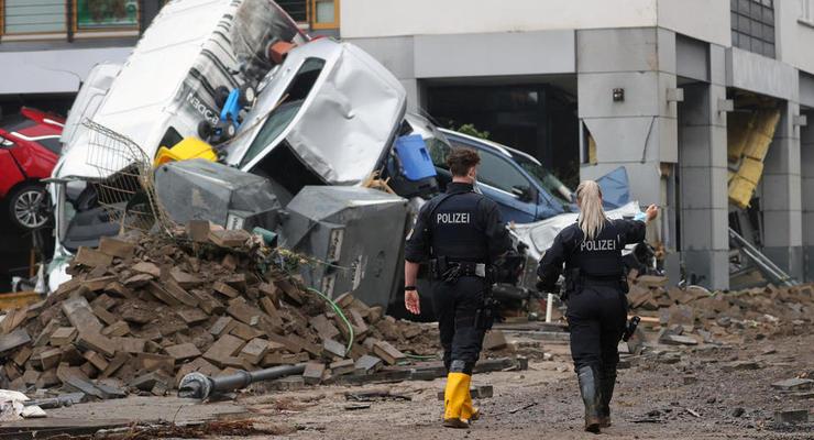 Более 100 погибших: В Германии объявлена военная катастрофа