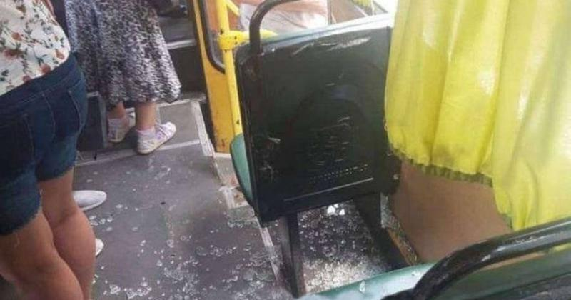 В Днепре неизвестные расстреляли автобус / dp.informator.ua