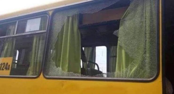 В Днепре неизвестные расстреляли автобус