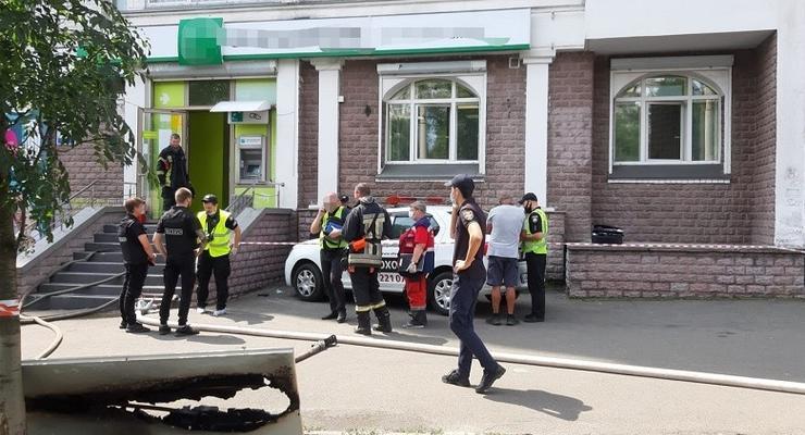 В Киеве женщина с пистолетом пыталась ограбить банк