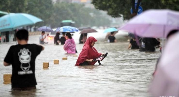 Наводнение в Китае: число жертв превысило 30 человек