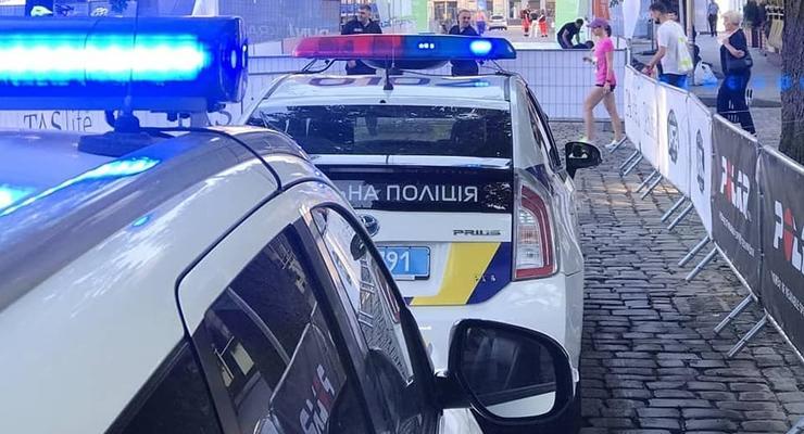 Львовянин вызвал полицию, когда жена отказала в сексе
