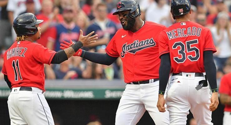 """Американская бейсбольная команда отказалась от """"индейцев"""" в названии"""