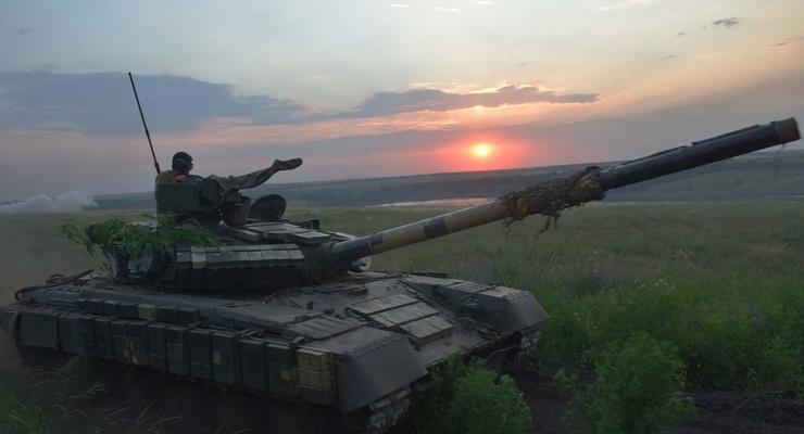На Донбассе 11 обстрелов за сутки: Ранены двое военных
