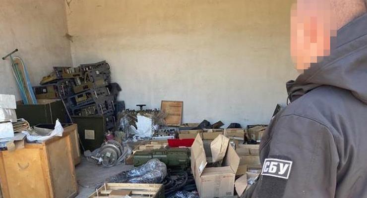 Экс-сотрудник оборонного завода пытался вывезти в РФ детали к ЗРК
