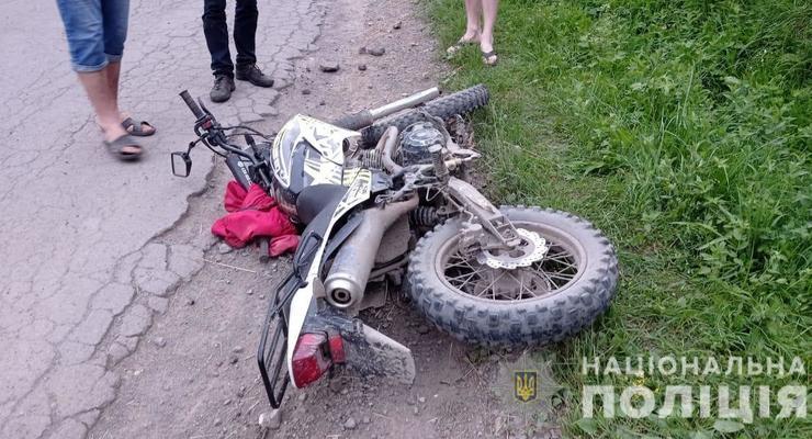 На Закарпатье столкнулись два мотоцикла: Погиб один подросток