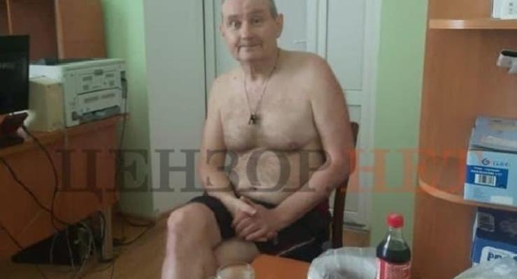 СБУ везет найденного в винницком селе экс-судью Чауса в Киев