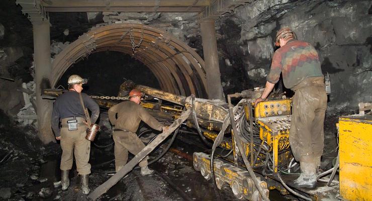 На Донетчине произошел взрыв в шахте: В больнице 10 горняков