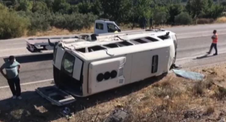 Автобус с украинскими туристами попал в ДТП в Турции: Более 30 раненых