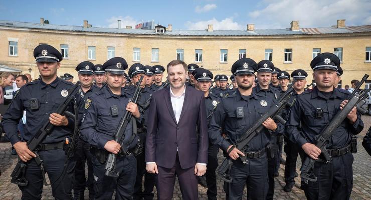 МВД будет требовать увеличение зарплаты полицейским, - Монастырский