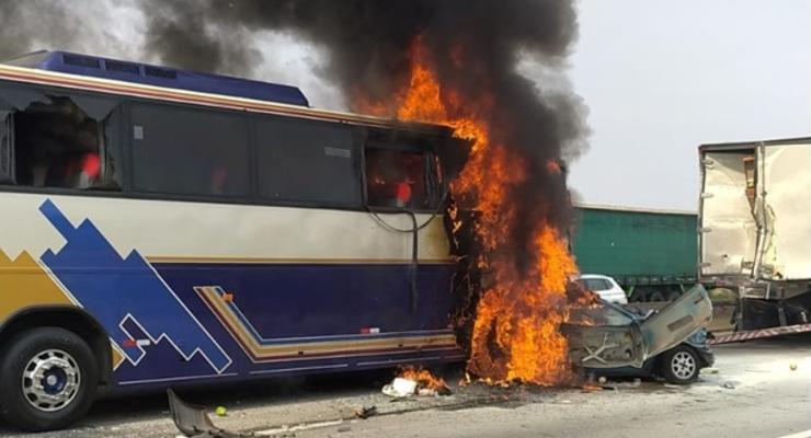 В массовом ДТП под Рио-де-Жанейро погибли шесть человек