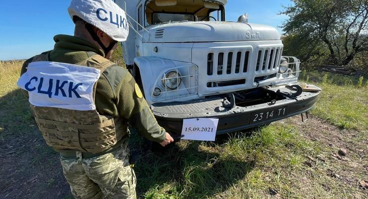 Боевики на Донбассе обстреляли грузовик украинской стороны СЦКК