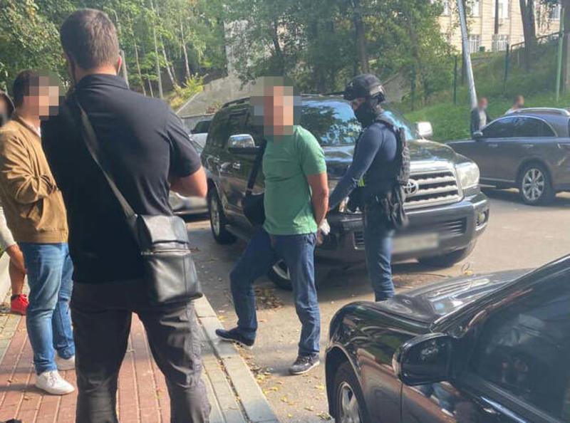 За взятку задержали топ-чиновника Минобороны  / kyiv.gp.gov.ua