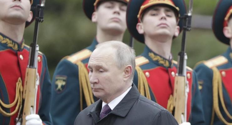 Путин высказался о своей самоизоляции из-за вспышки COVID в окружении