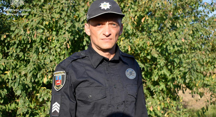 Житель Смелы хотел покончить с собой и напал на полицейского