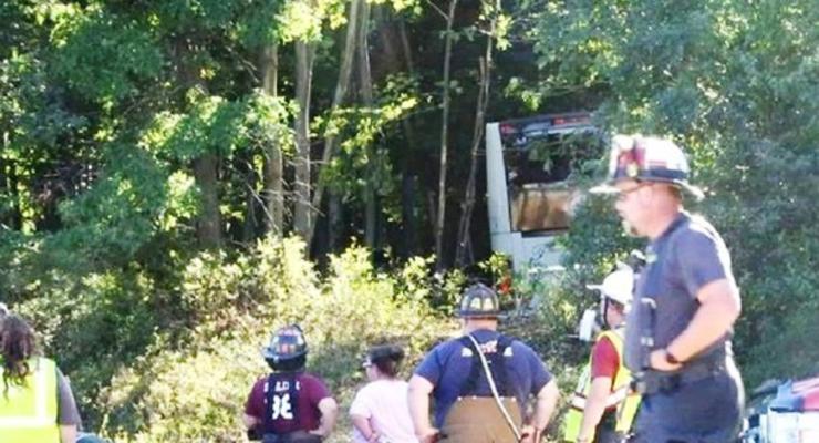 В США в ДТП с автобусом пострадали 30 человек