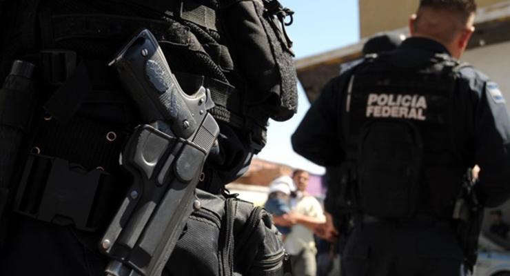 В Мексике у ресторана произошел взрыв, есть жертвы