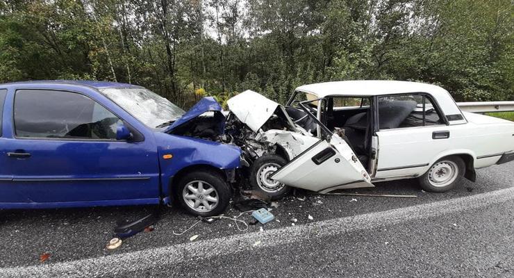 На Житомирщине 15-летний водитель иномарки устроил ДТП: 4 пострадавших