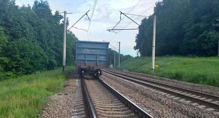 Под Одессой поезд насмерть сбил 18-летнего парня