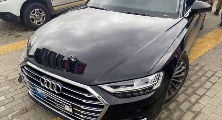 Неизвестные обстреляли машину первого помощника президента Шефира