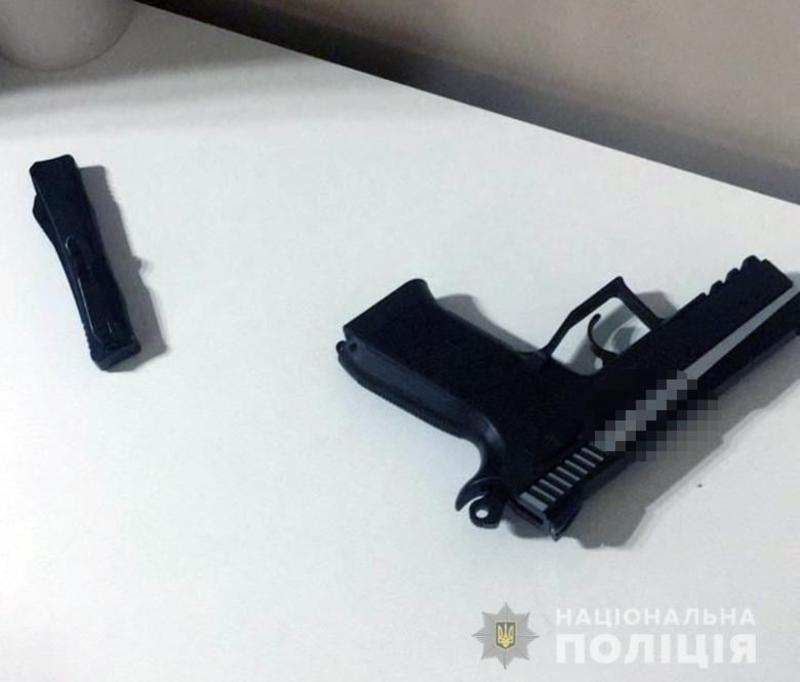 В метро иностранец угрожал пассажирам пистолетом / facebook.com/UA.KyivPolice/